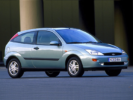 Фото Ford Focus Hatchback (DFW)